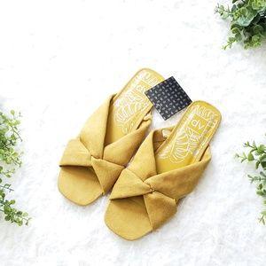 DV by Dolce Vita Yellow ADDIE Sandals